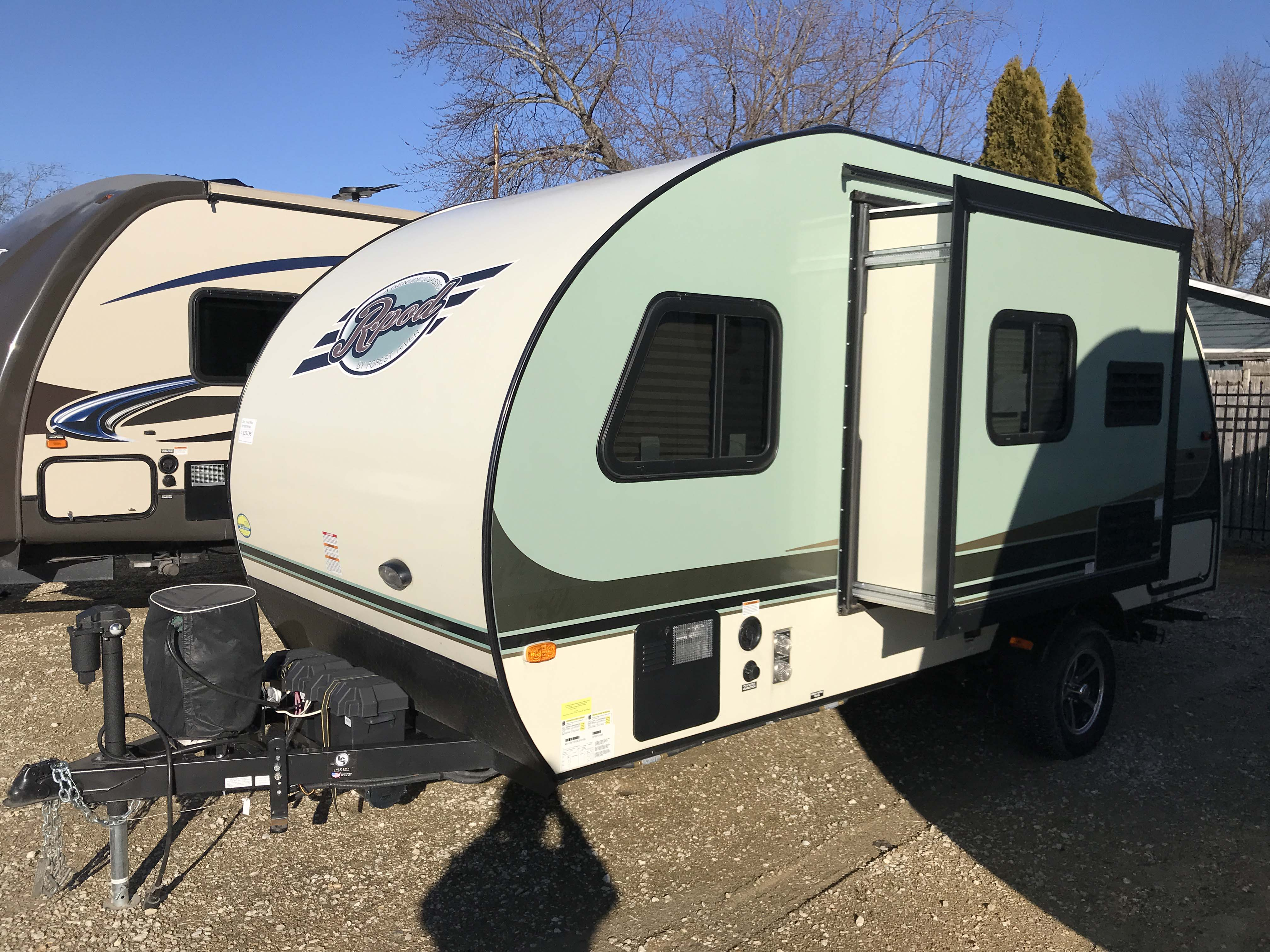 rv campers new used parts truck campers ebay autos post. Black Bedroom Furniture Sets. Home Design Ideas